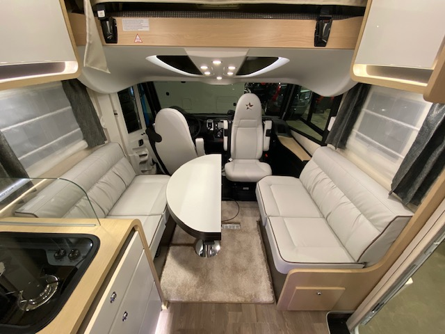 AUTOSTAR PRESTIGE 730LJ DESIGN EDITION 2300 160CV